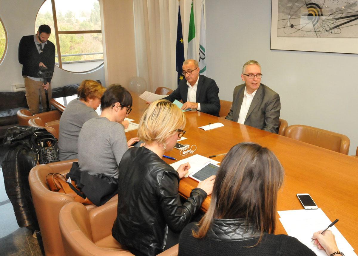 Bilancio di previsione 2016 Regione Marche. No IRAP nuove imprese, ospedale di Fermo, borse di studio e investimenti