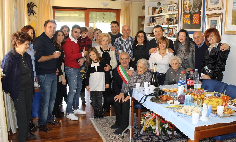 Enrica Luzi: cento anni e visita del sindaco