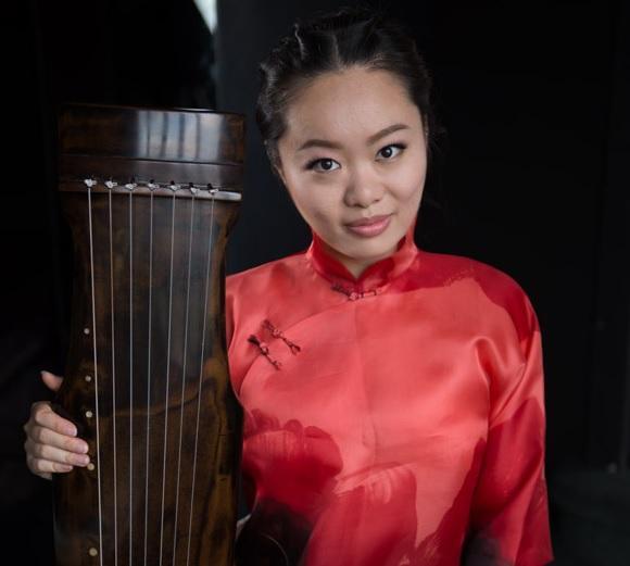 Il fascino della musica cinese di Jiaoyue Lyu lunedì al Lauro Rossi