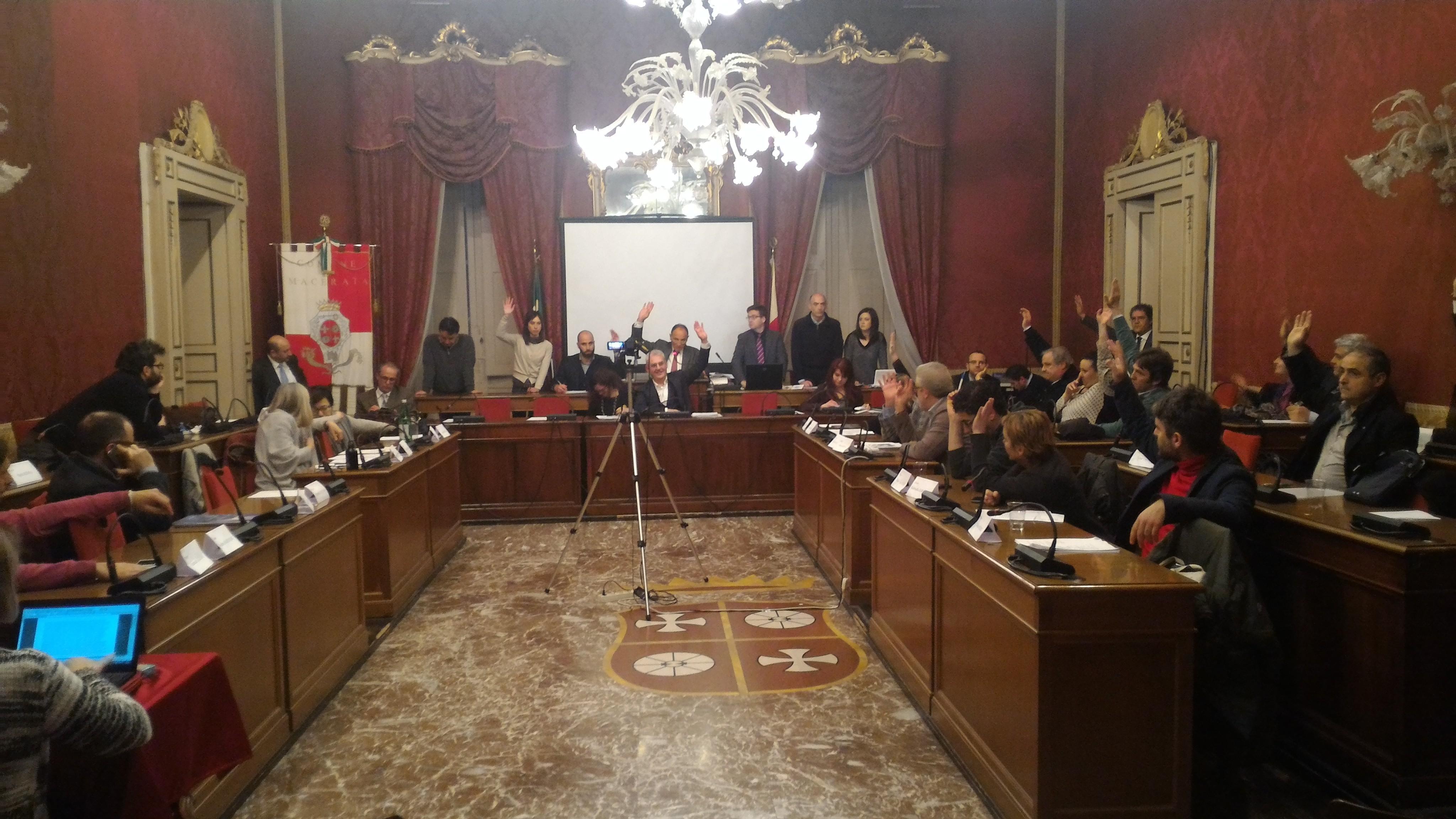 Macerata: approvato il bilancio di previsione 2016/2018
