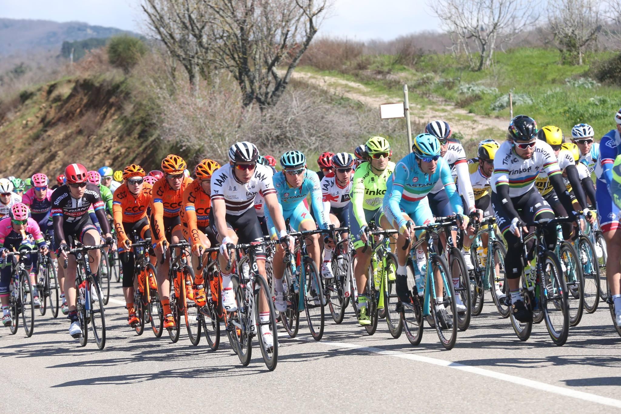 Domenica con la Tirreno-Adriatico sul Monte San Vicino
