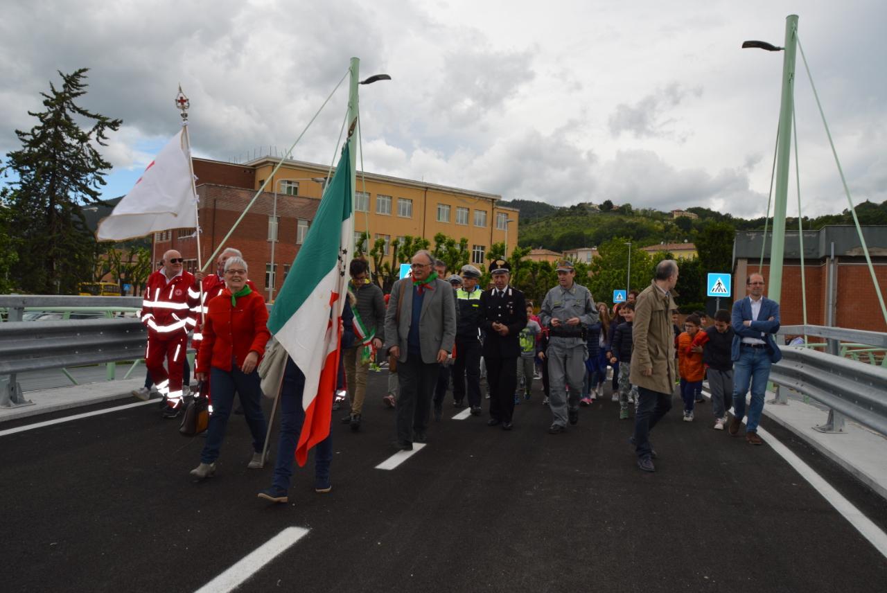 Aperto il ponte sul Potenza intitolato a Bruno Taborro