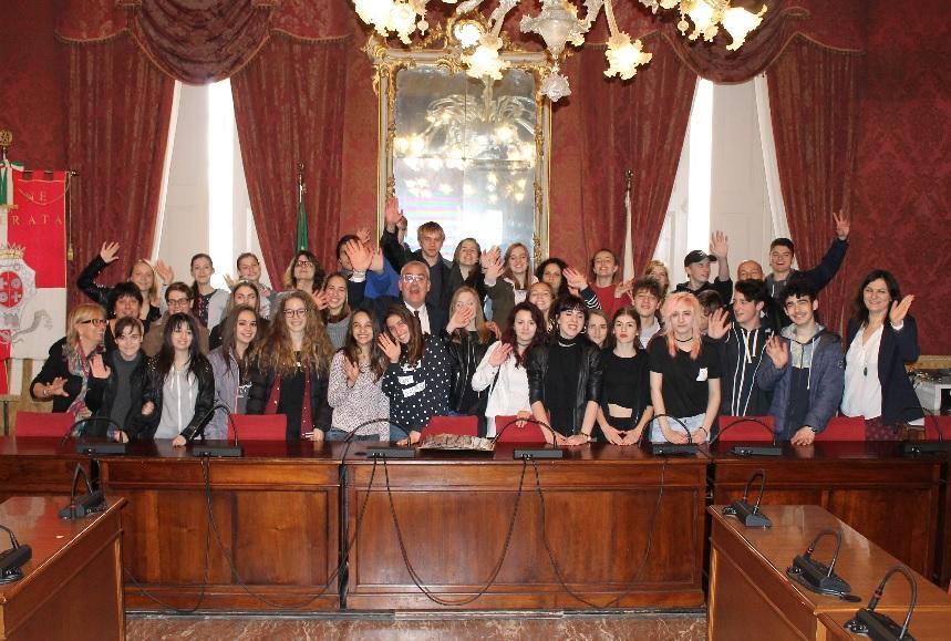 """Studenti di Bratislava a Macerata, gemellaggio con il """"Galilei"""""""