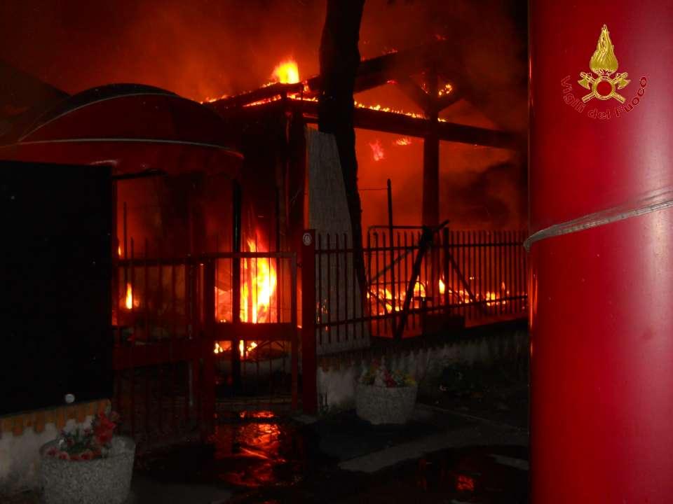 Incendio nella notte al night club Hollywood