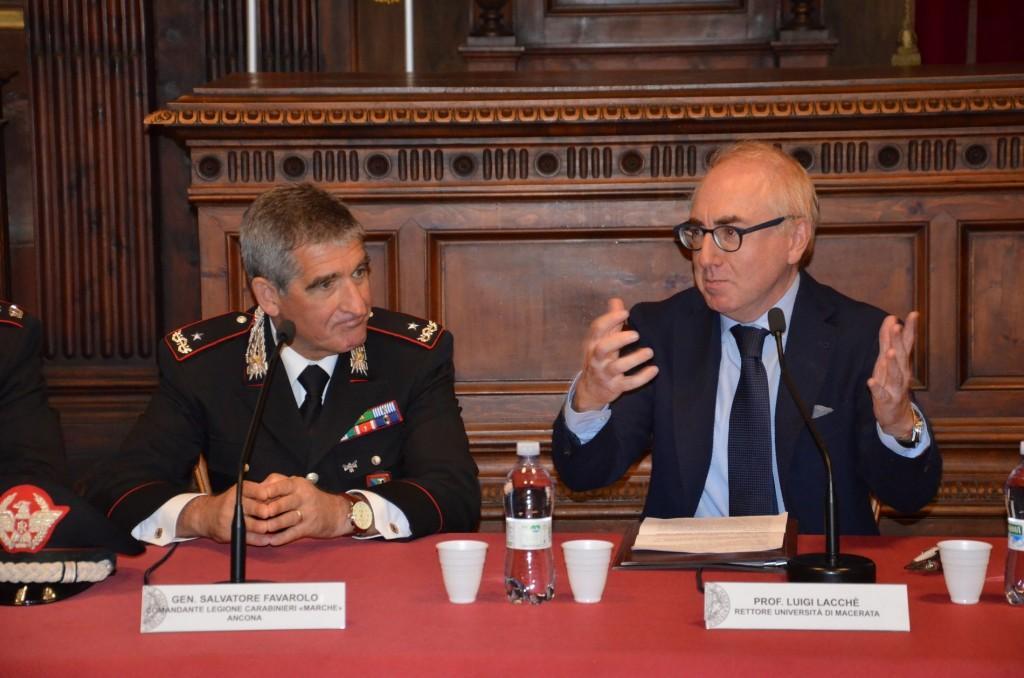 Il Generale Salvatore Favarolo e il Rettore Luigi Lacchè