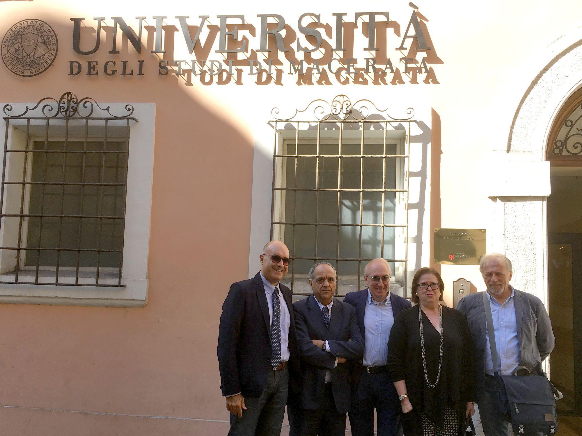 Fondazione Carima, consegnato a Unimc Palazzo Romani Adami