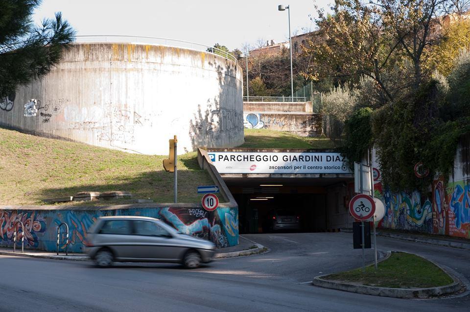 Macerata, il consiglio comunale vota la riacquisizione del ParkSì