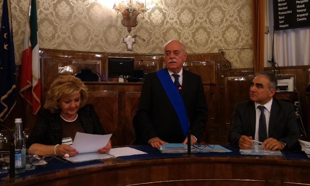 Provincia di Macerata: prima seduta del consiglio, giuramento di Pettinari