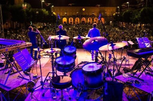 Tacabanca! A Civitanova Marche una serata di musica e solidarietà