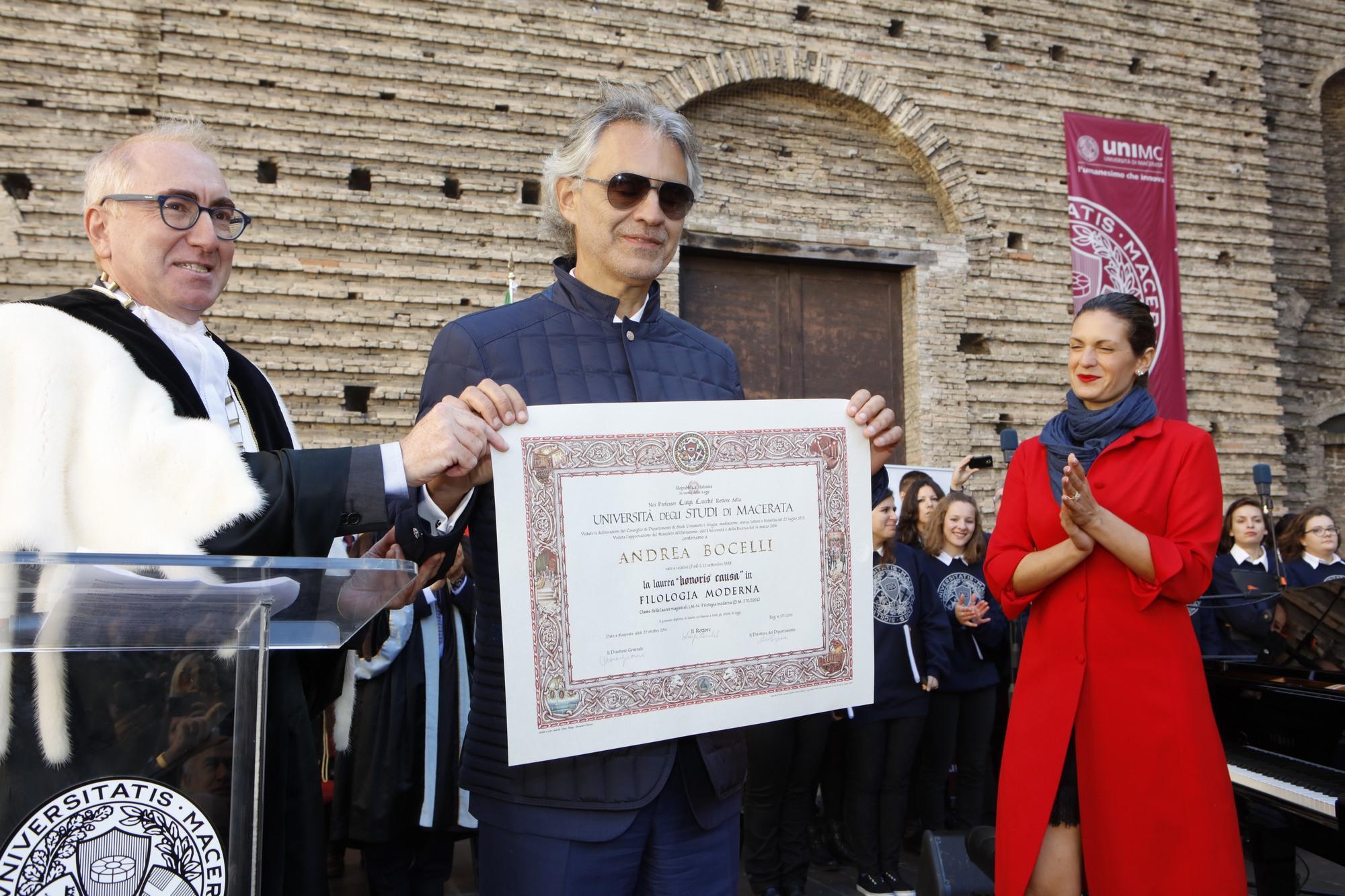 Andrea Bocelli laureato honoris causa dall'Università di Macerata