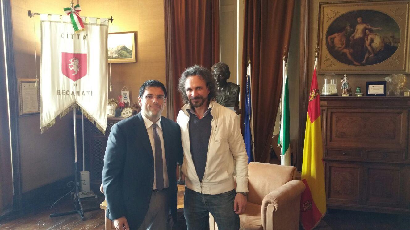 Il tenore Armiliato a Recanati, incontro con il sindaco Fiordomo
