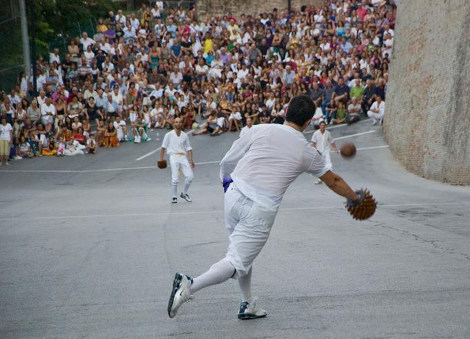 Dopo 50 anni a Macerata il Campionato italiano di Palla al bracciale