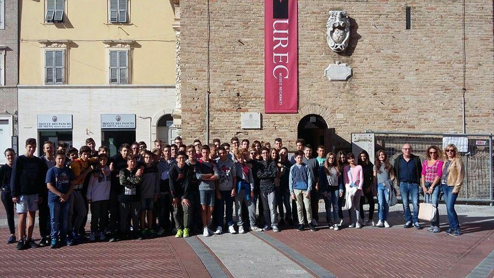 Recanati, sulla Torre del Borgo con gli studenti del Liceo Leopardi