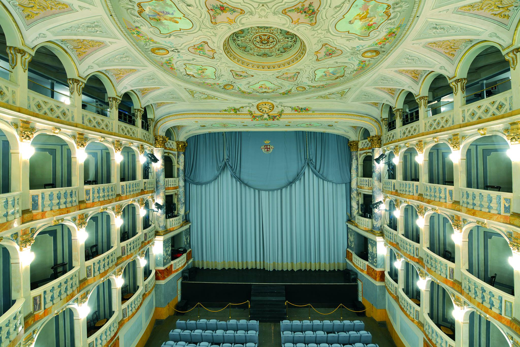 Inagibile la sala Gigli, chiusi per sicurezza Teatro Lauro Rossi e Antichi Forni