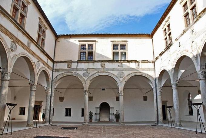 #ilfuturononcrolla: lunedì 7 l'Università di Camerino riparte con le lauree