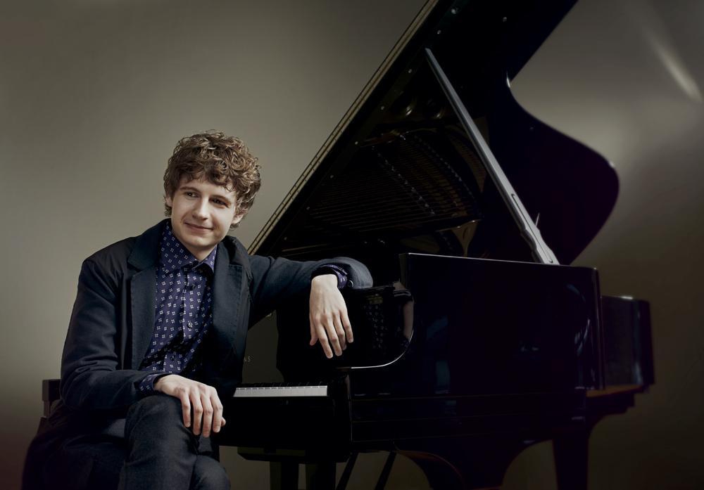 Macerata, il poeta della tastiera Pavel Kolesnikov ai Concerti di Appassionata