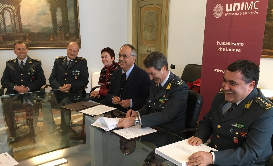 Accordo tra Unimc e Guardia di Finanza per favorire la formazione del personale