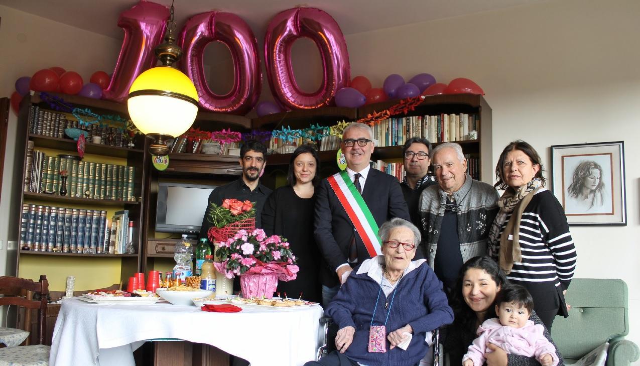 Macerata, Augusta Renzetti compie cento anni