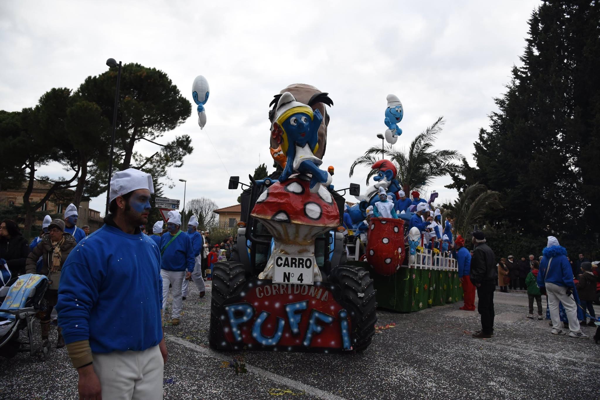 Carnevale Maceratese ai giardini Diaz con carri, gruppi e Veronica Maya
