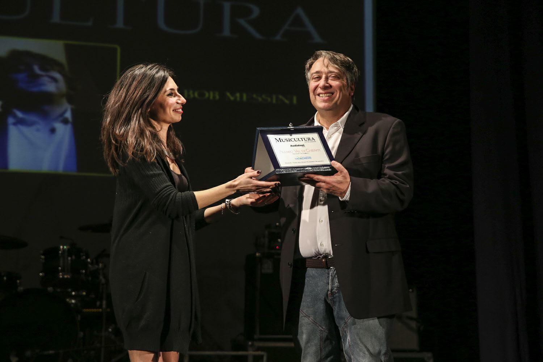 Audizioni live di Musicultura, Bob Messini conquista pubblico e premi