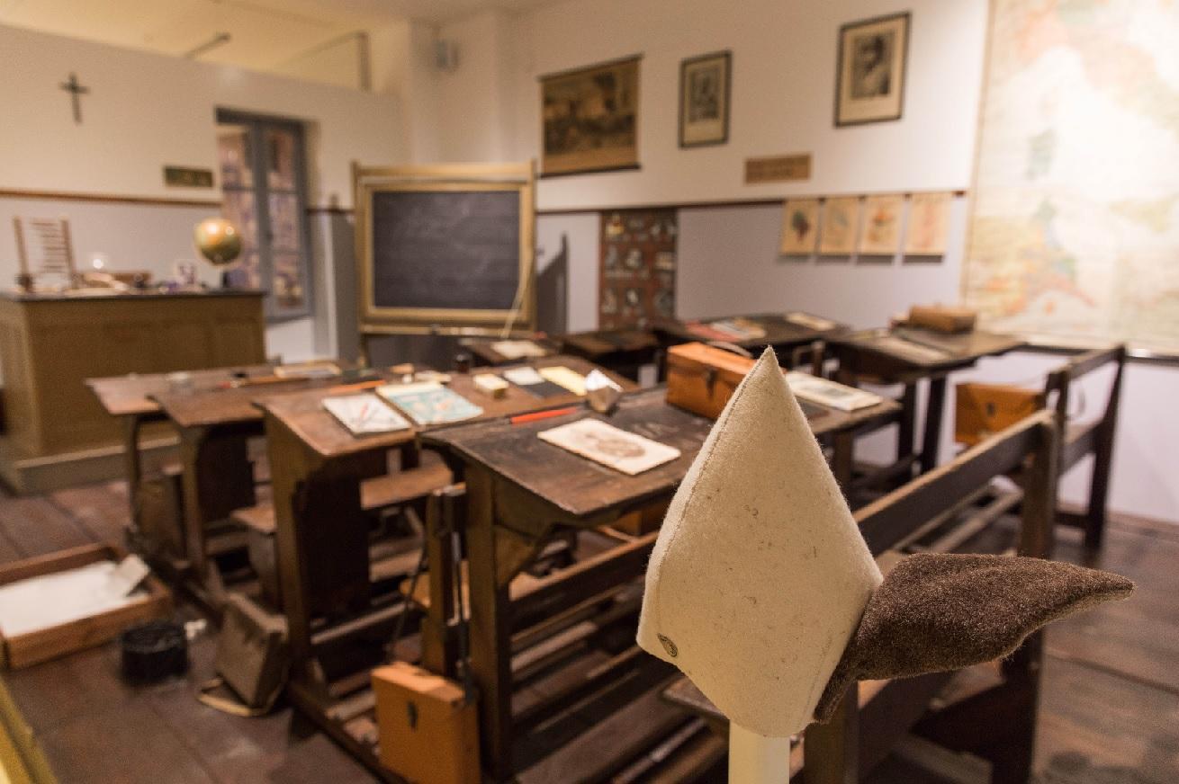 Il Banco del Somaro, incontri letterari al Museo della Scuola di Macerata