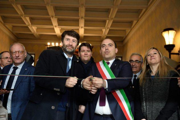 Foto LaPresse - Angelo Emma 14-02-2017 Osimo (Italia) PoliticaCapolavori salvati dal sisma: Franceschini visita Osimo e AnconaNella foto: Franceschini taglia il nastro in palazzo Campana di Osimo per nuova Mostra Photo LaPresse - Angelo Emma 14-02-2017 Osimo (Italy) PoliticsMasterpieces saved from the earthquakeDario Franceschini, the Italian Minister of Cultural Heritage and Activities and Tourism is visiting Ancona and Osimo