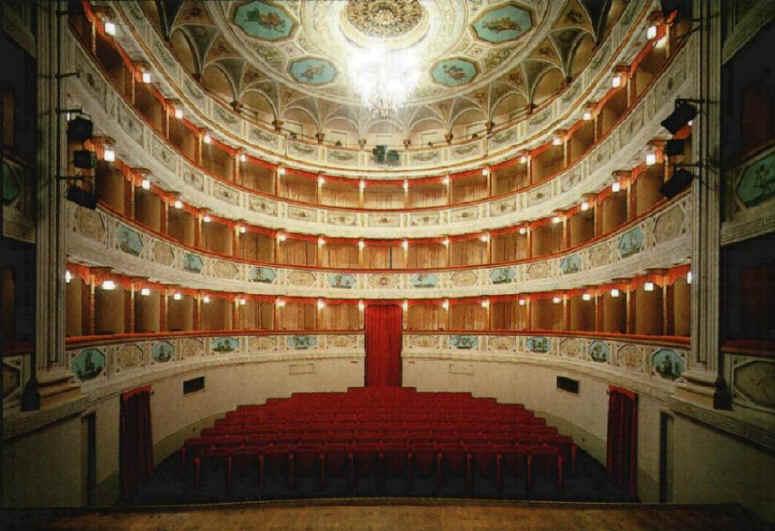 San Severino Marche, Villa InCanto porta La Traviata al Teatro Feronia
