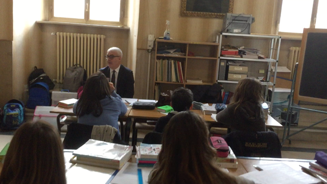 Il sindaco di Macerata parla del terremoto con gli studenti della Mestica