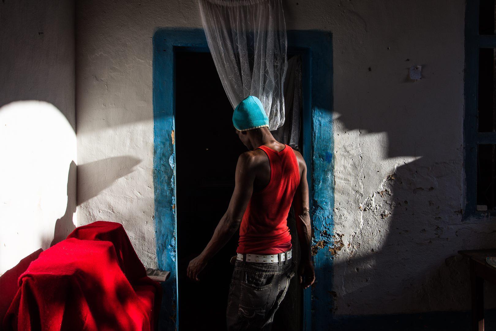 Macerata, luci e ombre di Cuba negli scatti di Ernesto Scarponi