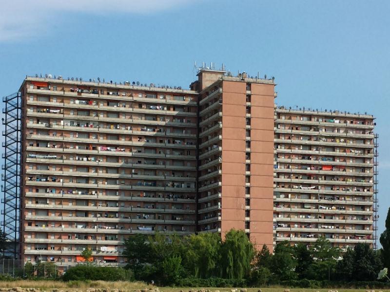 Polizia, controlli all'Hotel House contro lo spaccio