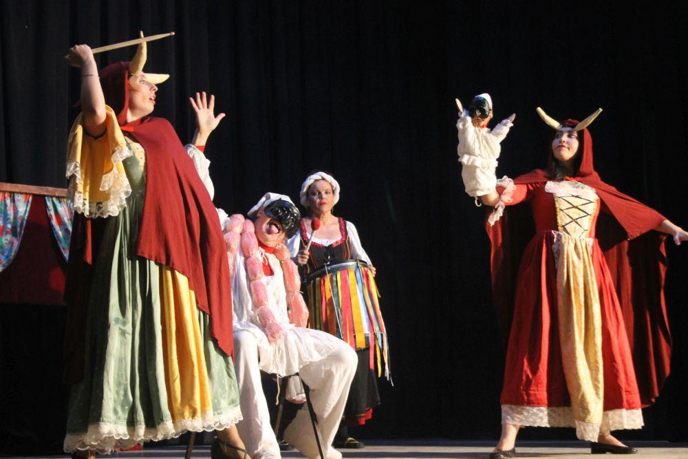 Civitanova Marche, l'ironia di Pulcinella al Teatro Annibal Caro
