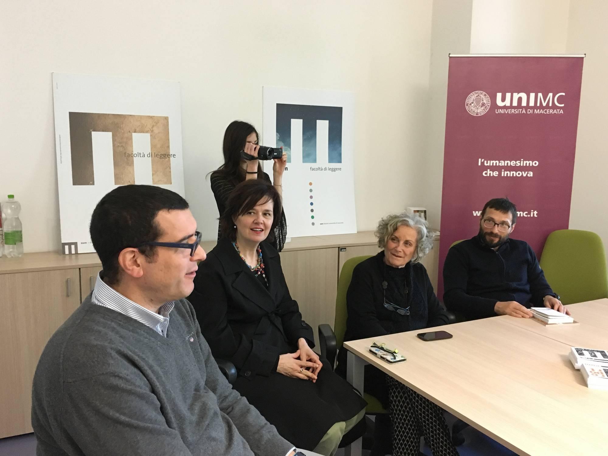 "Unimc, la case editrice Eum aderisce a ""UneBook per Amatrice"""
