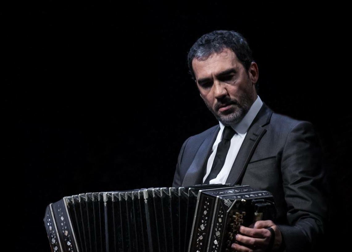 Tango, bandoneon e Orchestra Filarmonica al Teatro Lauro Rossi