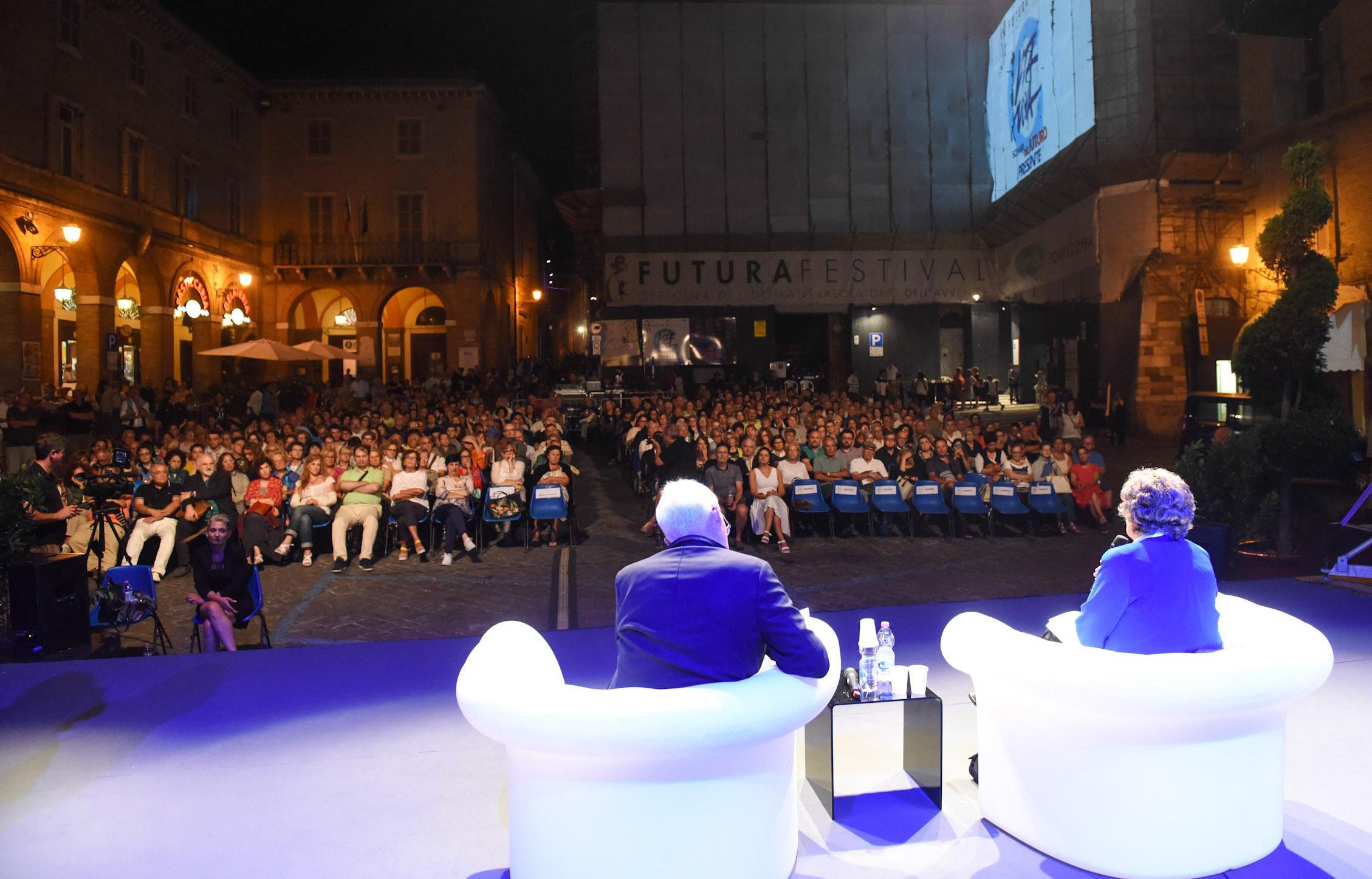 Futura, da Civitanova alla Festa di Scienza e Filosofia di Foligno