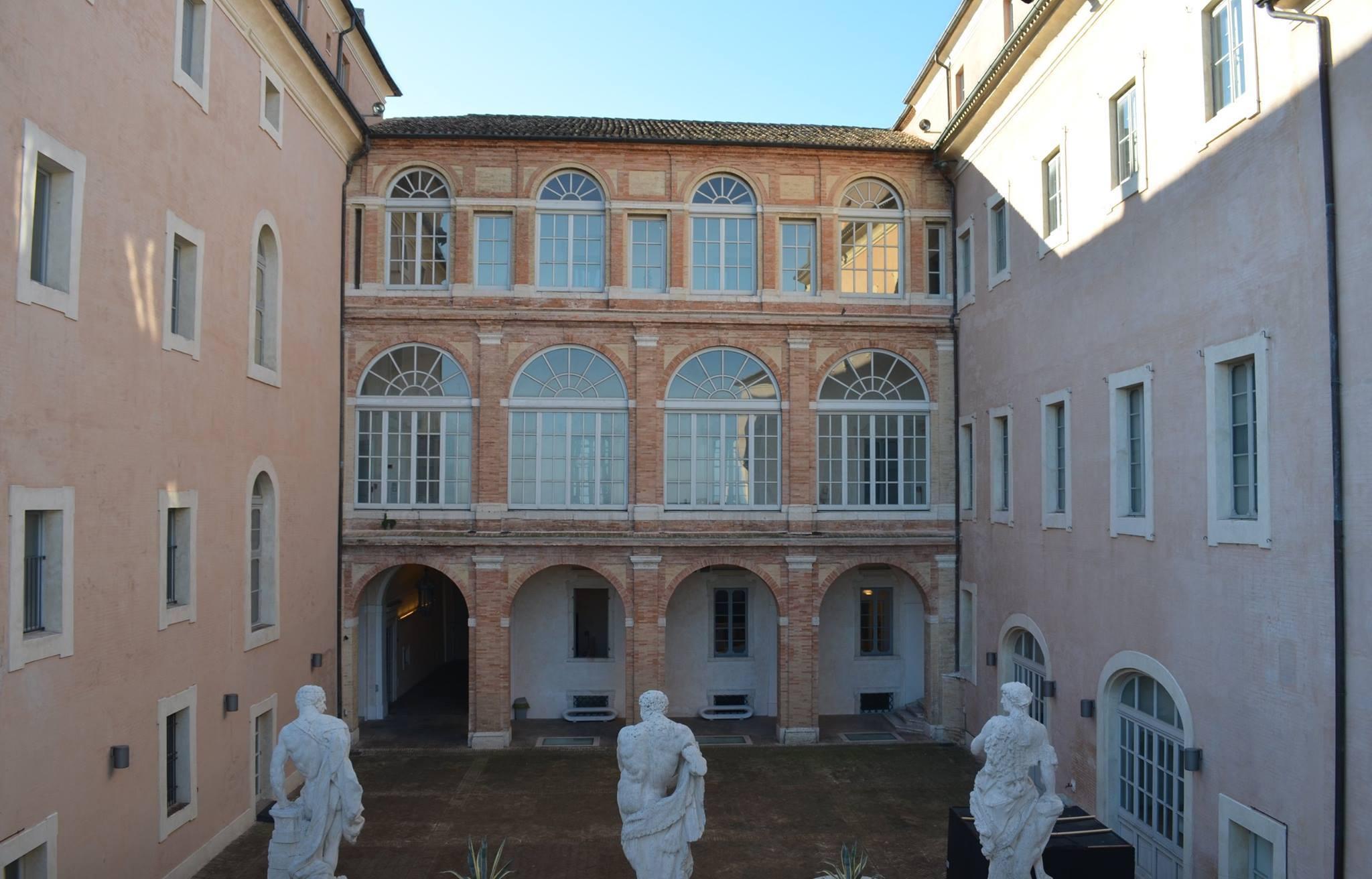 Macerata, domenica visite guidate a Palazzo Buonaccorsi