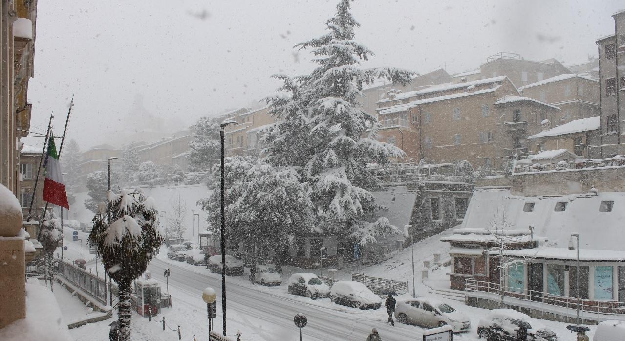 Neve a Macerata, la situazione e numeri utili