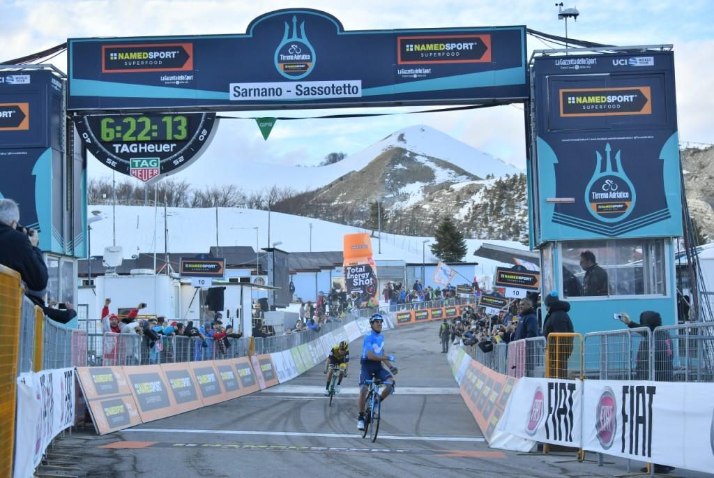 Landa vince a Sarnano, oggi Tirreno-Adriatico a Filottrano