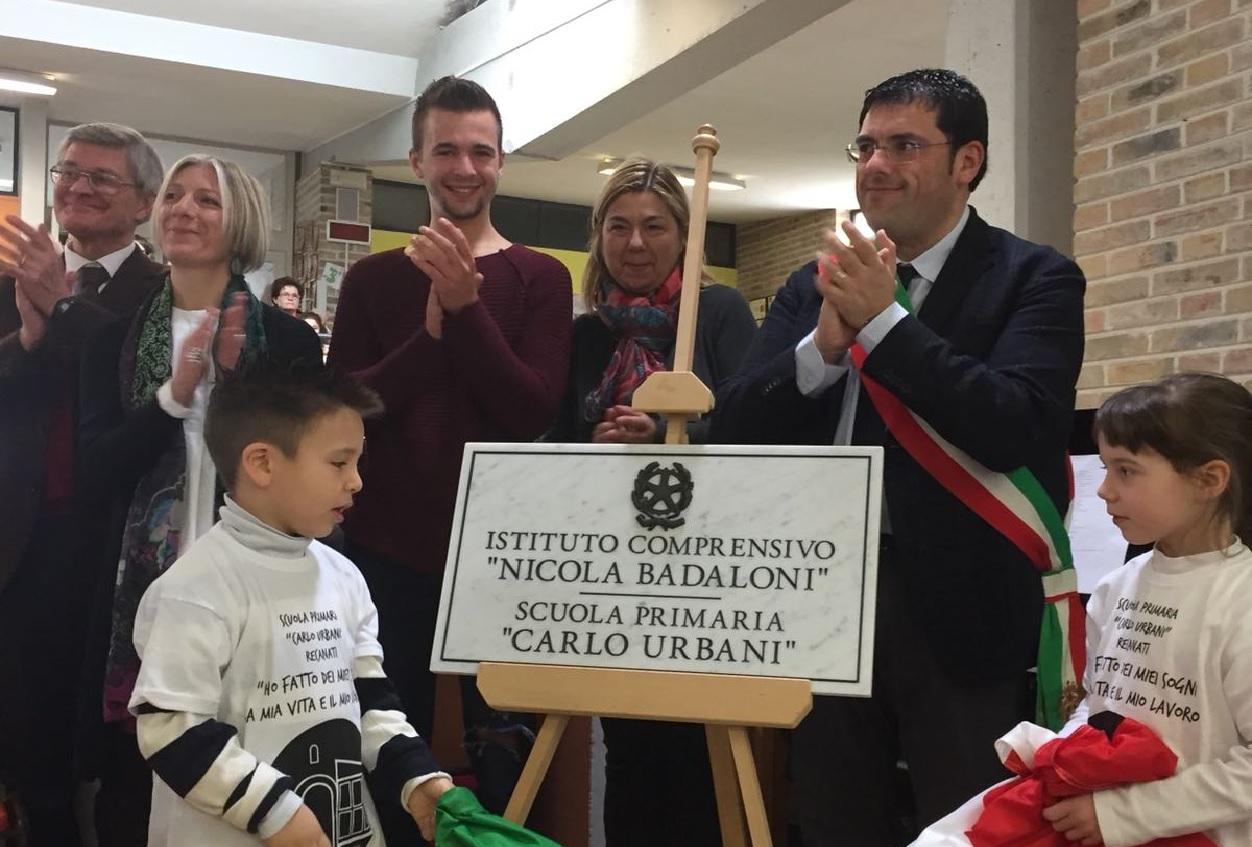 Recanati, intitolata a Carlo Urbani la Primaria di Castelnuovo