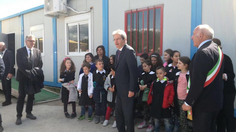Il presidente Gentiloni in visita a Muccia e alla Simonelli