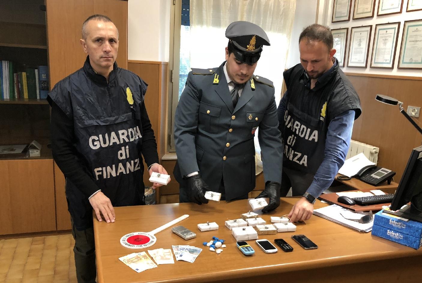 Porto Recanati, Finanza denuncia tre spacciatori