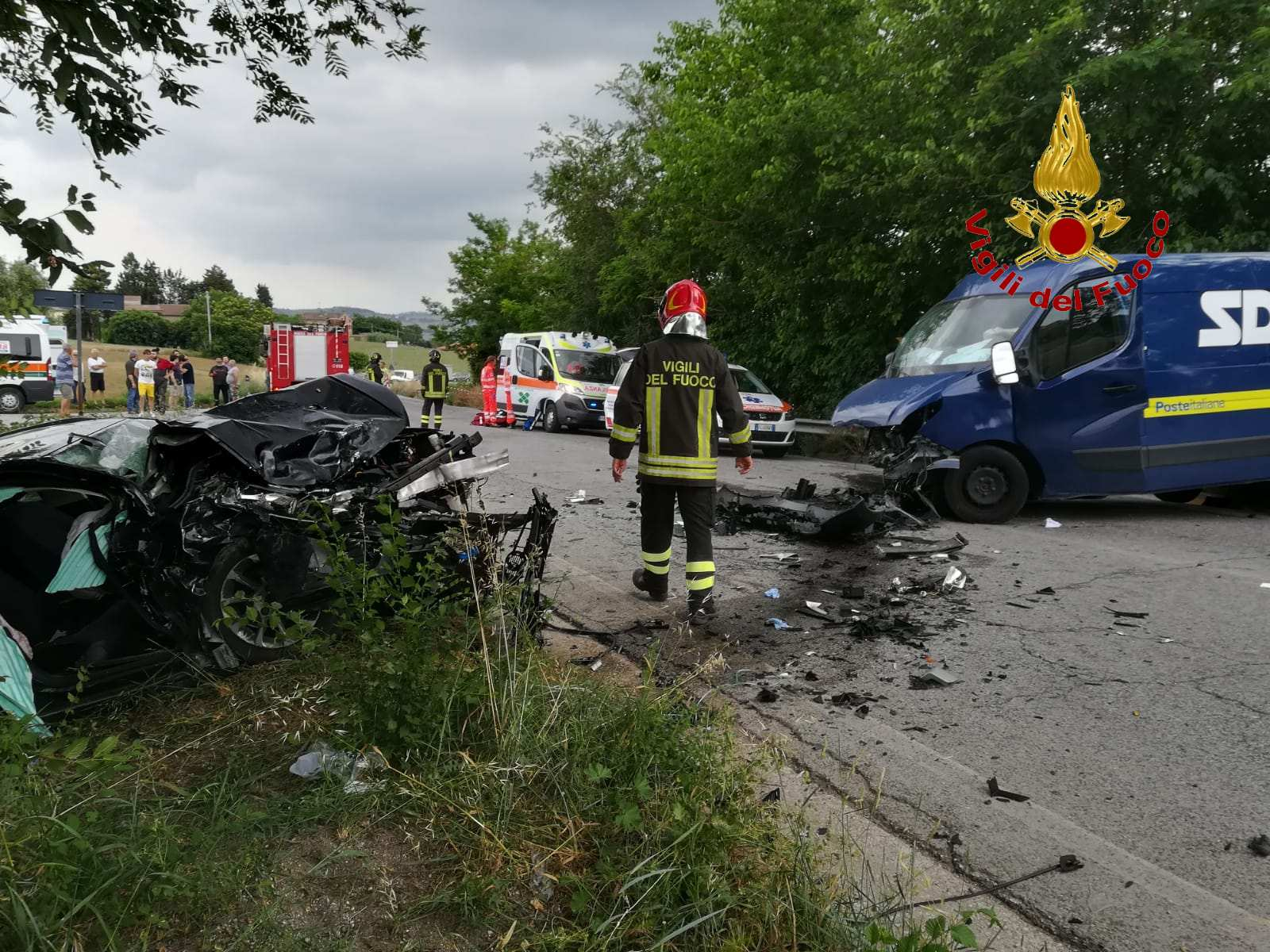 Incidente a Morrovalle fra auto e furgone, grave un ferito
