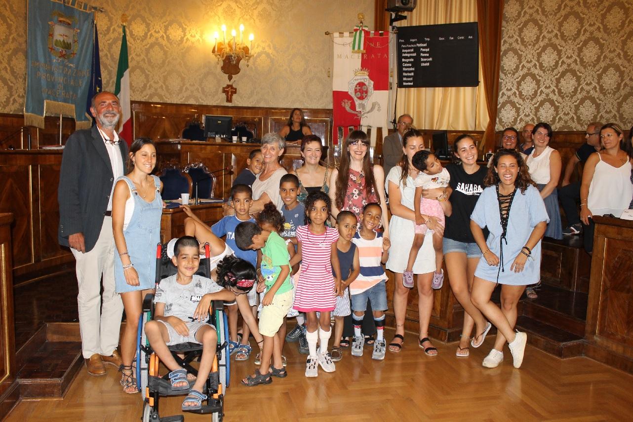 Macerata, bambini saharawi accolti in Consiglio comunale