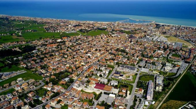 Civitanova Marche, ordinanze su balneazione e prevenzione incendi