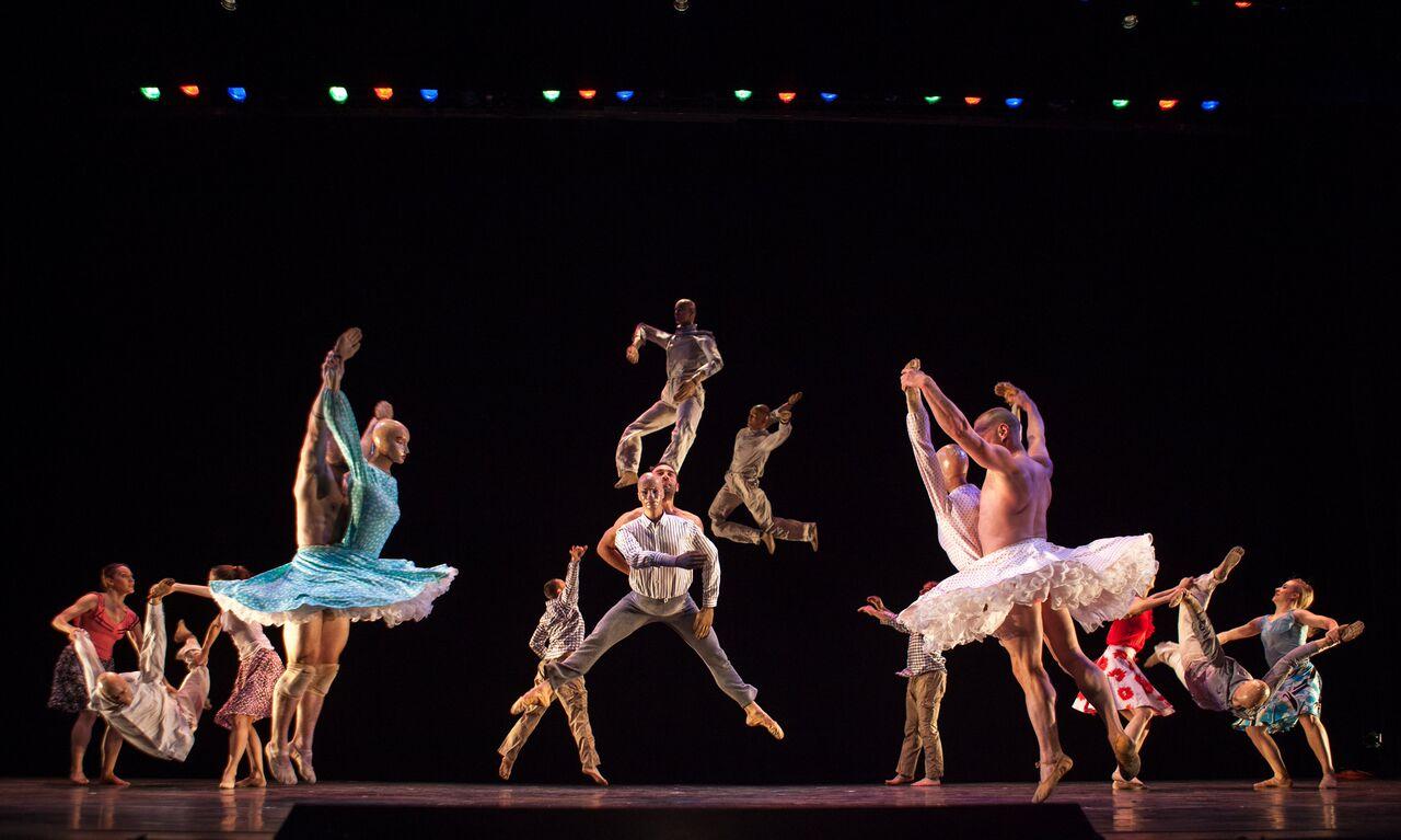 Civitanova Danza, intramontabili Momix al Teatro Rossini