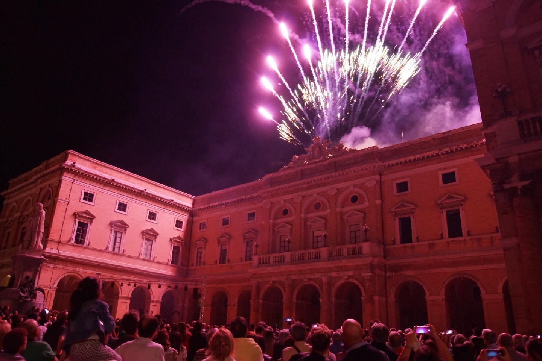 Recanati, visite guidate in notturna al Palazzo Comunale