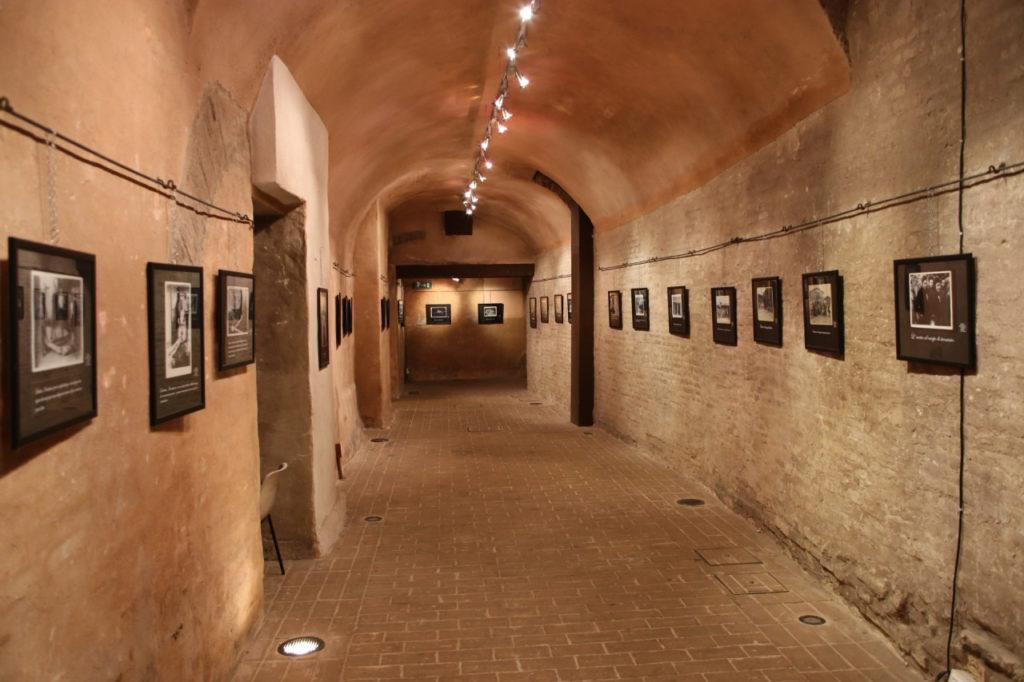 """Macerata, agli Antichi Forni la mostra """"50 & + per l'Arte"""""""