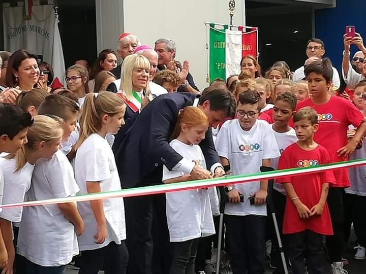 San Severino Marche, il premier Conte inaugura la nuova scuola