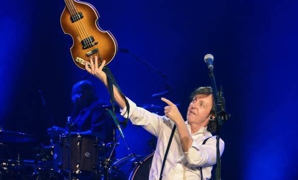 Montefano, concerto tributo a Paul McCartney dei Press To Play