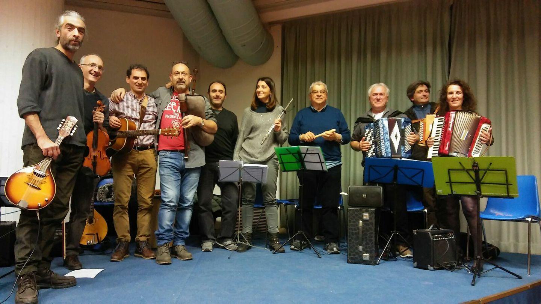 Montefano, spettacolo con Zenzero e Cannella Folk Band