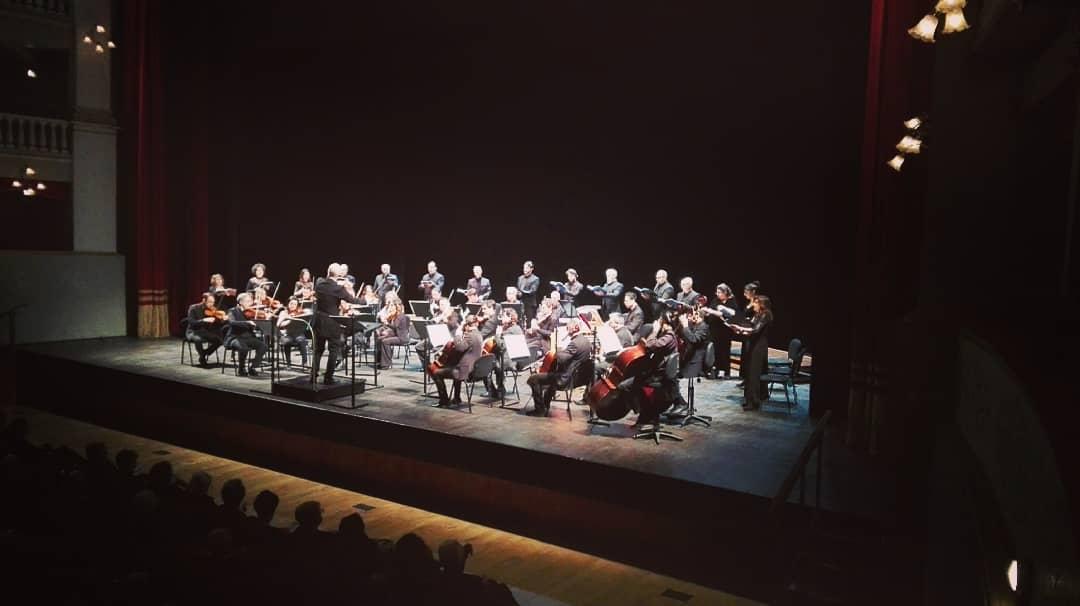 Lorenzo Di Bella e l'Orchestra Filarmonica a San Severino Marche